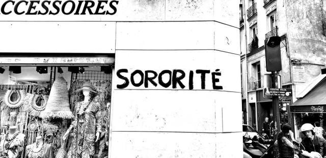artiste peintre paris, photographie, paris pictures, beautiful bizarre, paris street, sororité, femen
